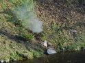 Odpad horké vody se snadno prozradí parou.